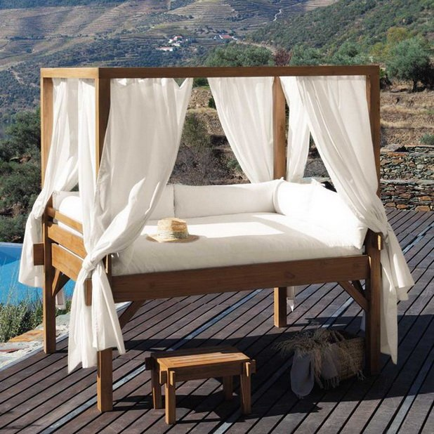 50 Outdoor Canopy Bed Ideas and Inspiration