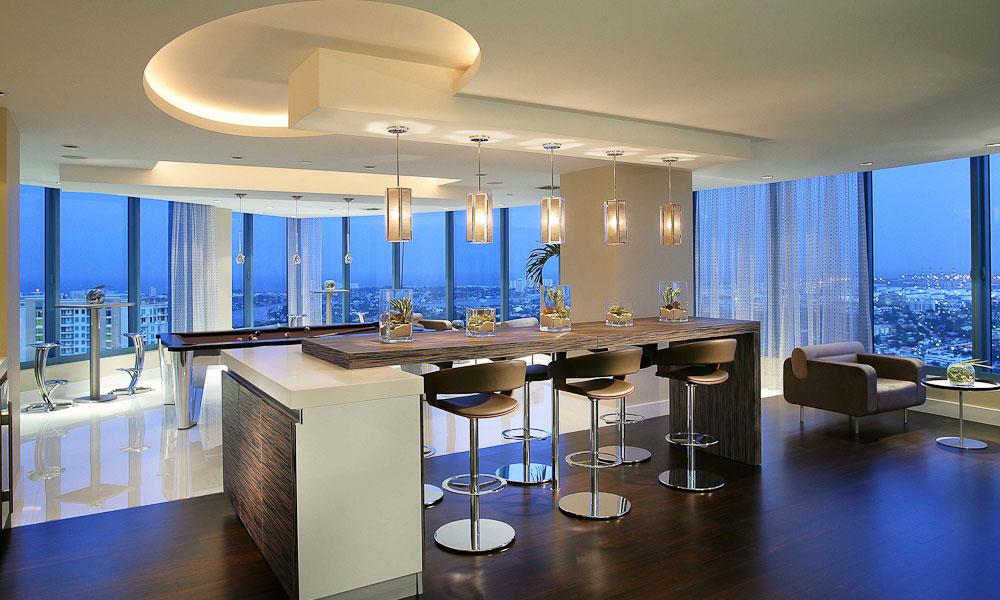 Bachelor 39 s penthouse interior design mag for Bachelor apartment vs studio