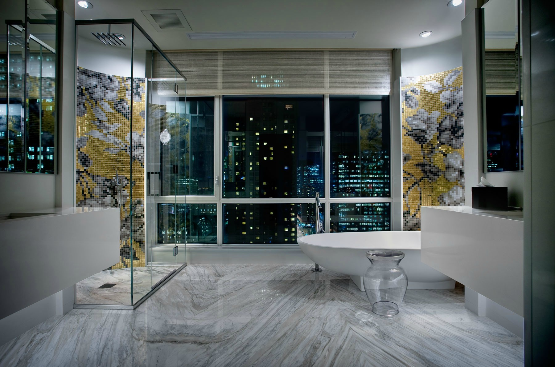 Luxury penthouse located in downtown montreal interior for Small penthouses design