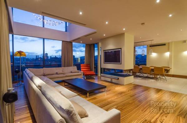 Penthouse Apartment Overlooking Belfast