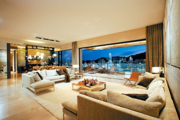 Penthouse with a view of Hong Kong
