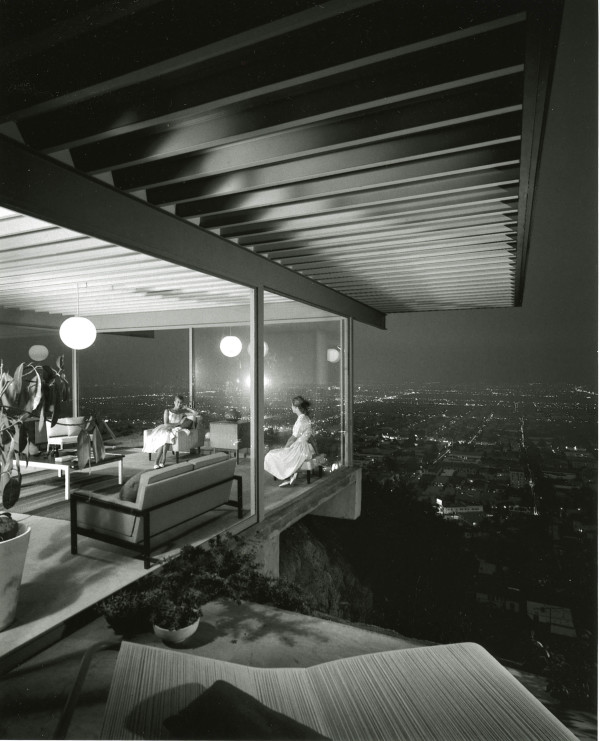 The living room of an iconic Mid-Century Modern house overlooking Los Angeles: Stahl House