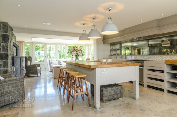 Lovely kitchen. Amazing island