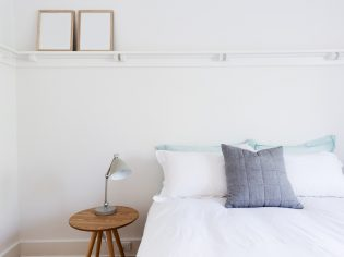 5 Simple Changes to Create a Beach Style Bedroom