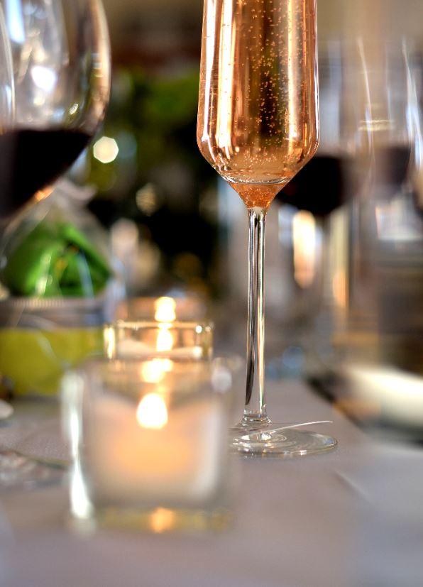 Champagne-Coupe-Stemware-Interiordesignsmagazine.com