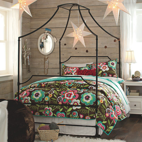 Maison Canopy Bed