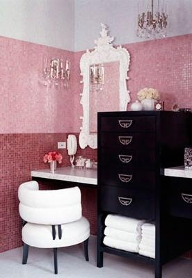 Makeup in Perfect Little Room