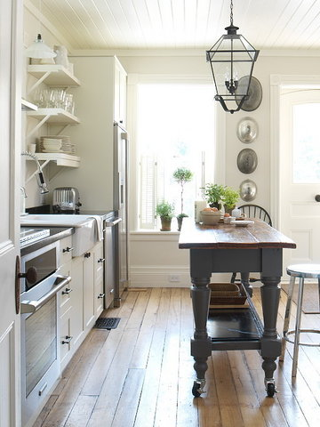 Overall Kitchen Fron Stool 0002