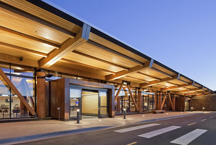 Jackson Hole Airport - Airport wooden Yellowstone Park