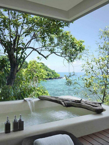 Modern bathroom with a beautiful view of the ocean