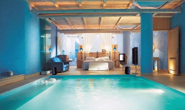 Pool Bedroom 1