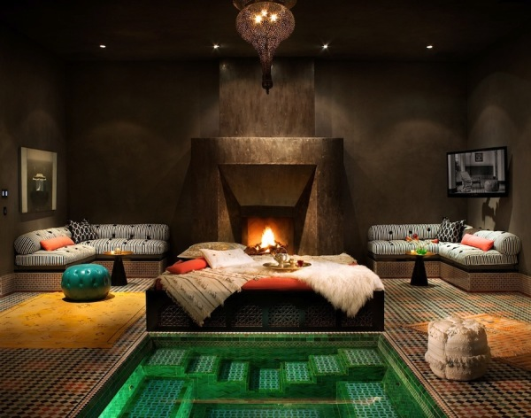 Bed room with its own pool