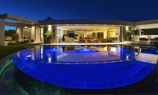 The 85 million dollar mansion Beyonce and Jay-z are taking a look at