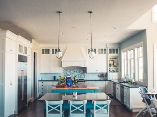 How to Get that Restaurant-Design Feel in Your Own Kitchen/Dining Area