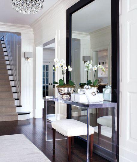 Mirror-work-at-the-entrance-to-decorate-the-home-interior interiordesignsmagazine.com